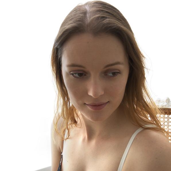 Modelos 010, Simone Pleizier