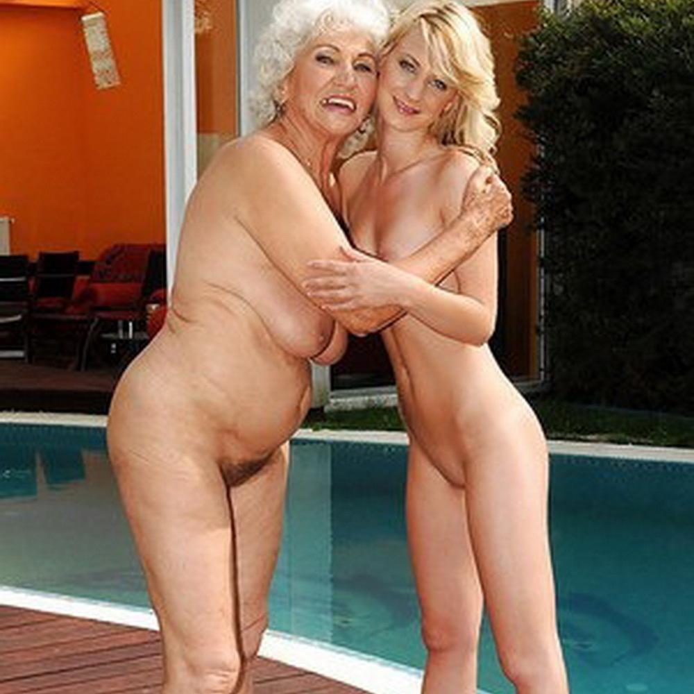 Abuela y sus nietas.........