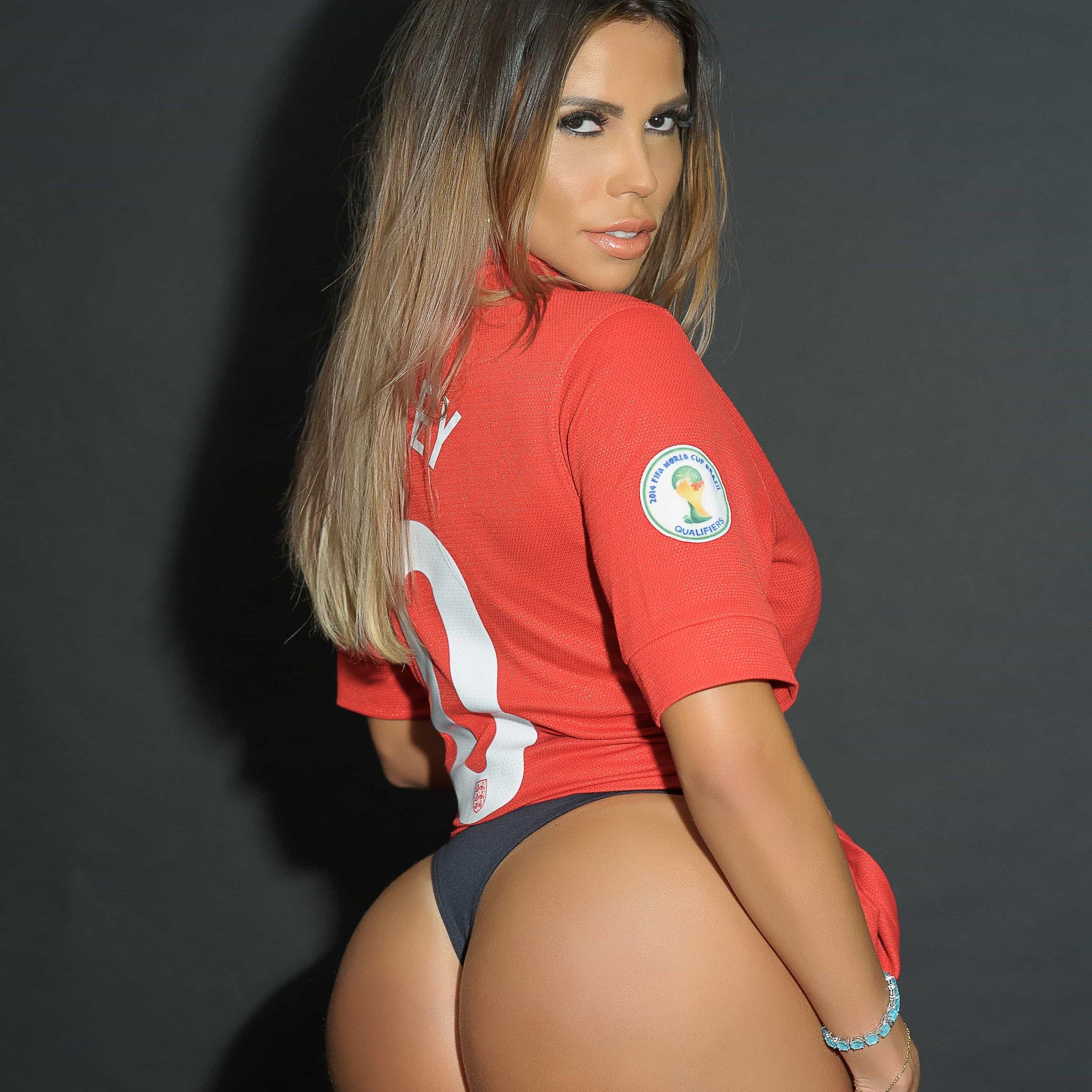 Andressa Prata, la sexy doble de Kim Kardashian