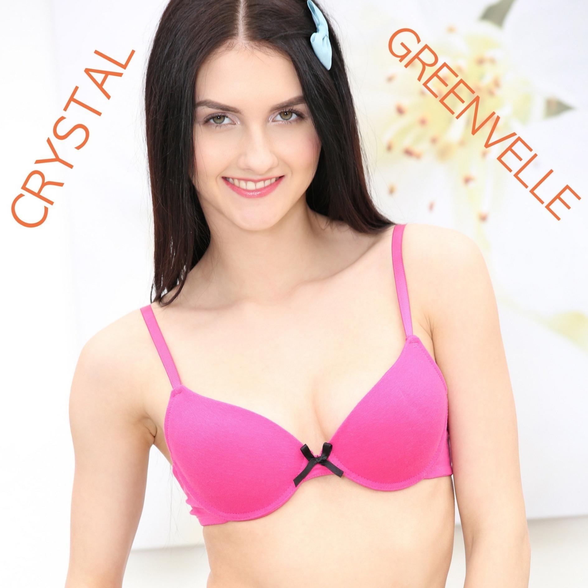 Crystal Greenvelle, recopilación escenas