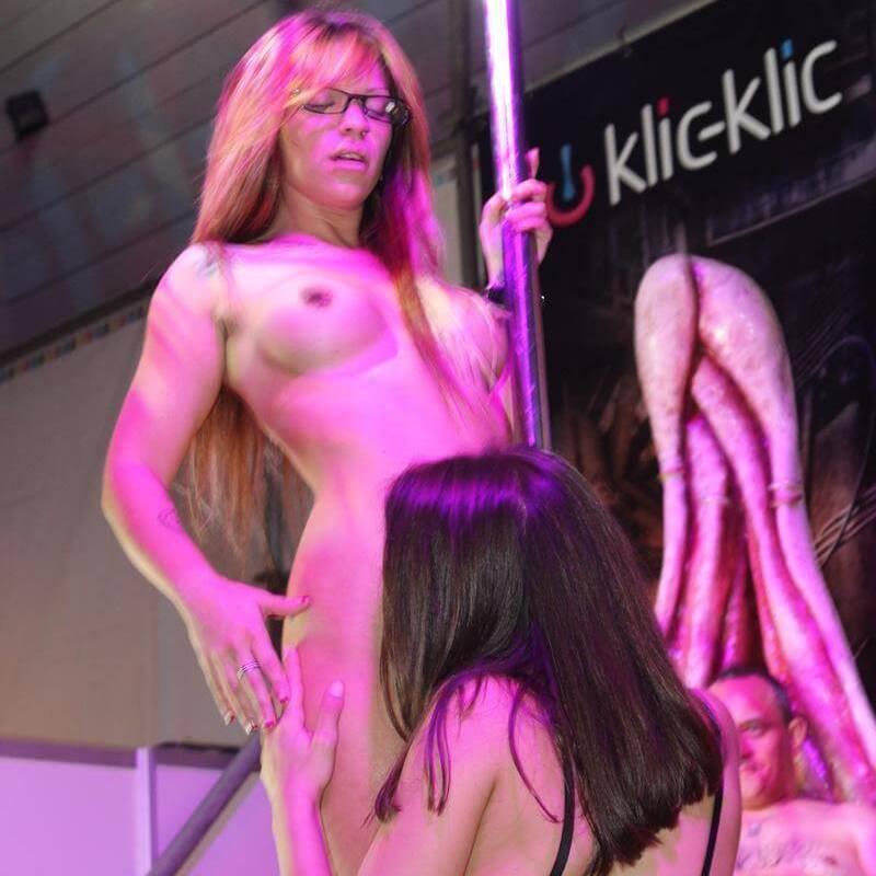 lesbian show  p.e