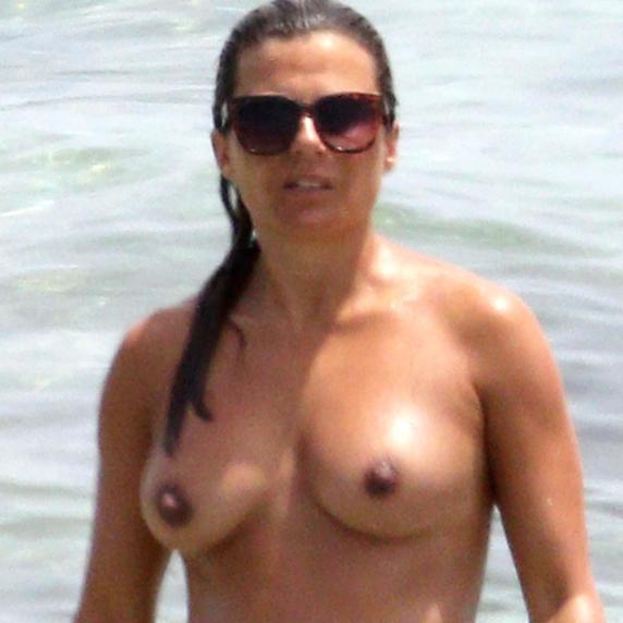 El topless de la britanica Zoe Hardman