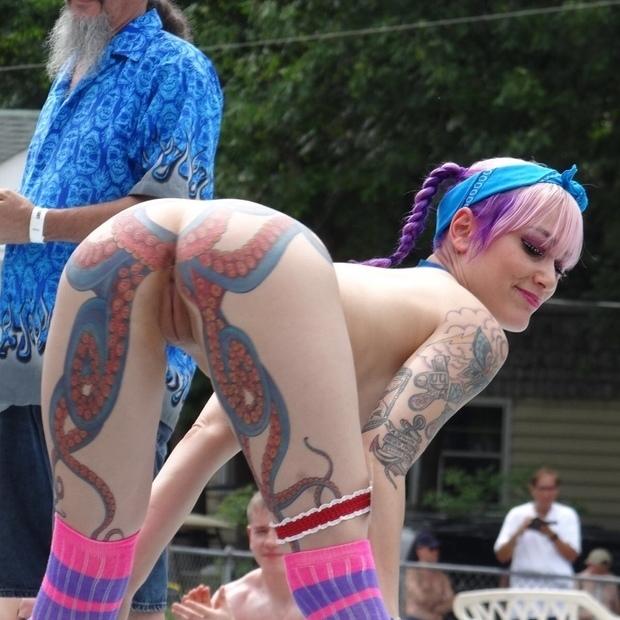 tatuadas hermosas.