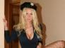 Naughty Allie con uniforme de oficial de policia