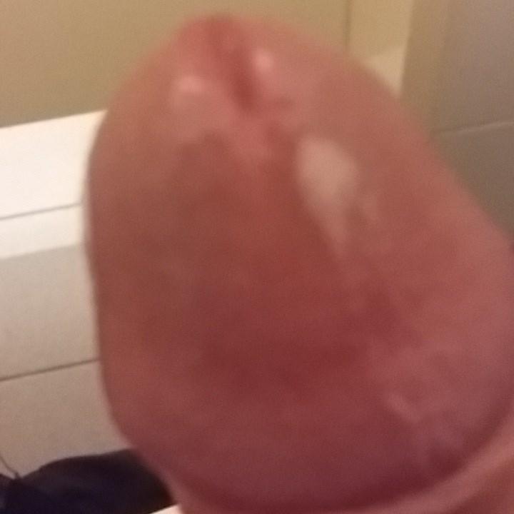 selfies de mi verga lechera toda mojada!+videos