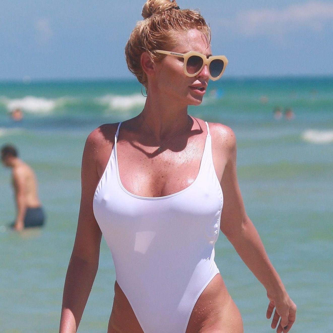 Vicky Xipolitakis pasandola bomba en Miami