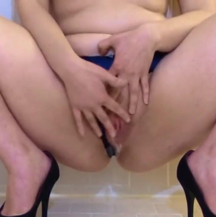Putita mexicana se masturba hasta llegar al orgasmo!