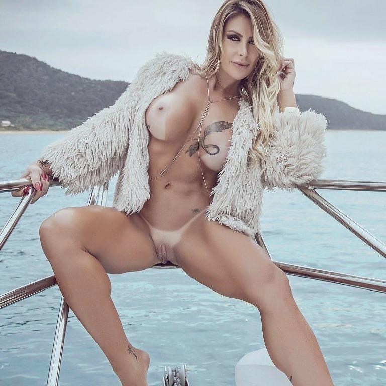 Luciane Hoepers en Sexy (agosto 2017)