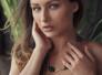 Preciosa hembra Yarina