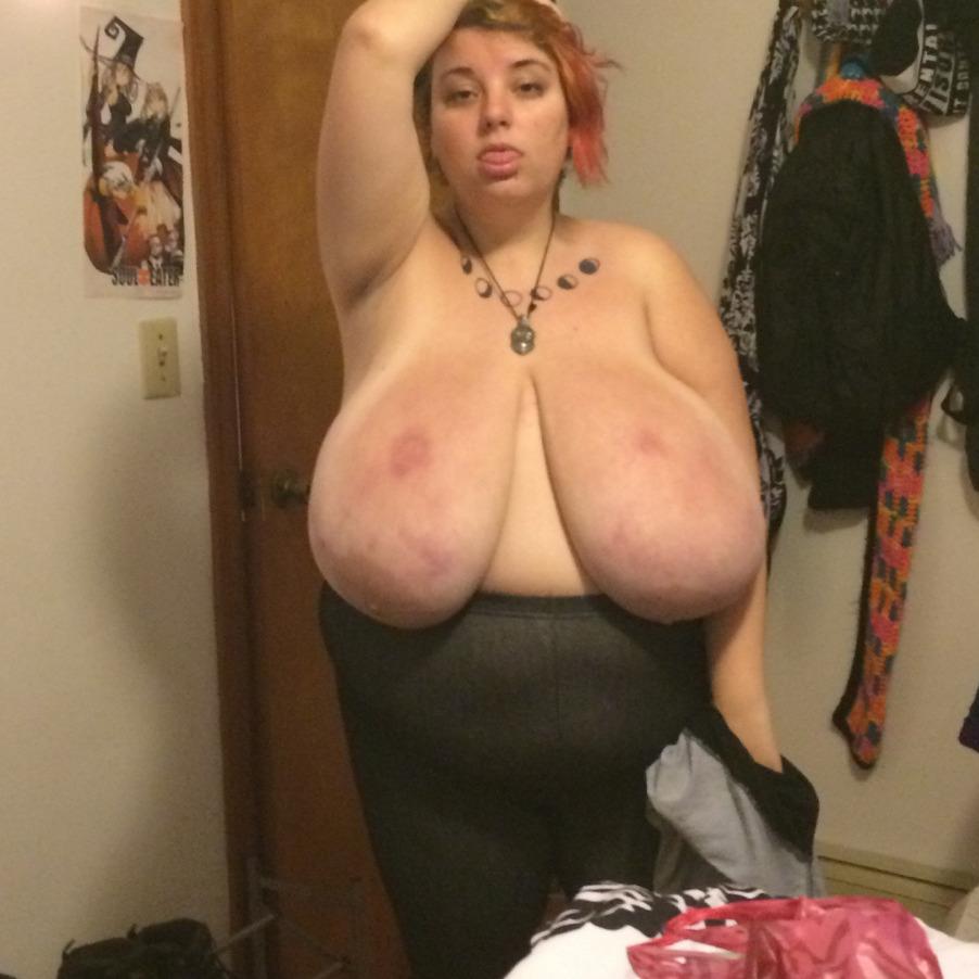 Gorda con tetas enormes
